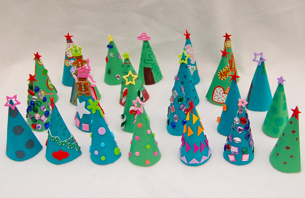 Idee fantasiose natalizie bertafilava for Alberelli di natale fai da te